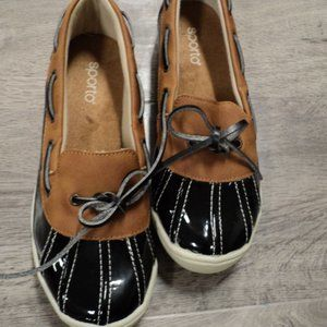 Women's brown and black sporto shoes. size 7